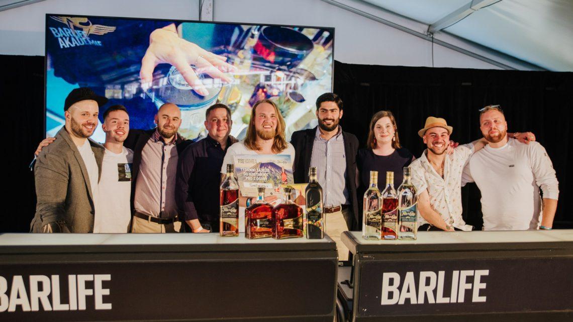 Známe vítěze barmanské soutěže High Five Flor de Caña Mixtronomy Competition 2019