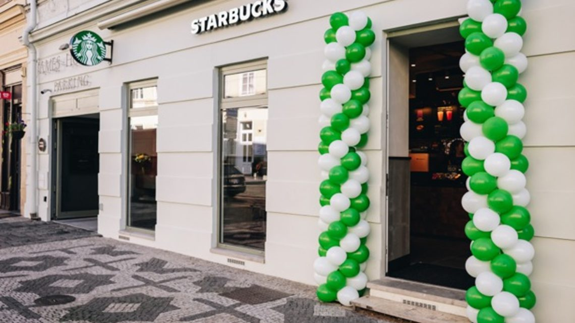 Starbucks otevřel kavárnu na Újezdě