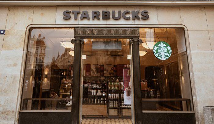 Hodnotíme kavárny | Starbucks The Clock – Václavské náměstí