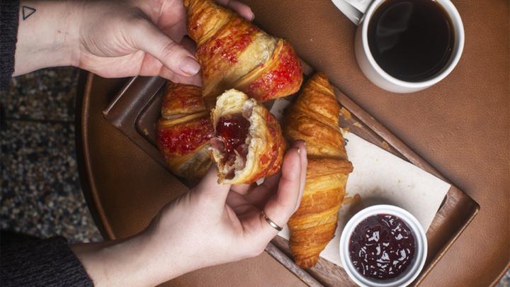 (Nejen) snídaně ve Starbucks s nadýchaným a voňavým pečivem